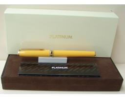 Platinum 1819 Yellow Fountain Pen