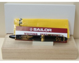 Sailor Classic Resin Maki-e Deer Fountain Pen