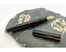 Nakaya Piccolo Long Nuno Kise Hon Kataji Black Red Fountain Pen